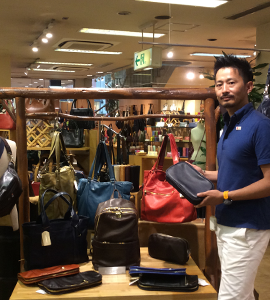 b76c2cf7fc81 日本製のもの、日本人が海外に持っていくバッグや海外に店舗展開しているブランドが特に人気ですね。また、店舗スタッフが外国人客に対応するマインドがついたことも  ...
